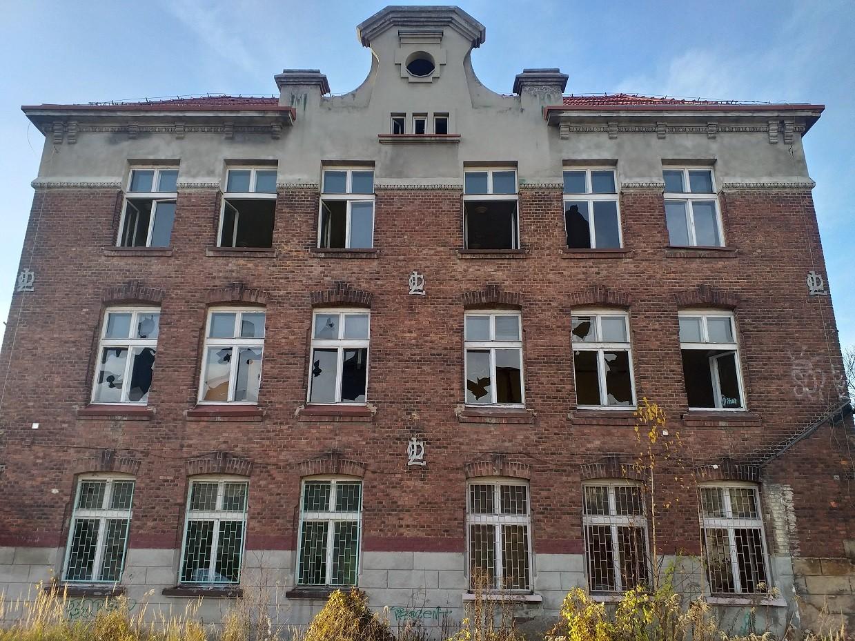 Dawna Szkoła Podstawowa nr 6 na Pechniku Jaworzno