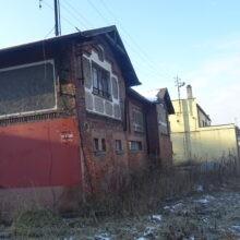 Budynek obok maszyny wyciągowej i łaźni na terenie byłej kopalni KWK ANNA Pszów