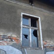 Opuszczony dom ze zdjęciami Pszów