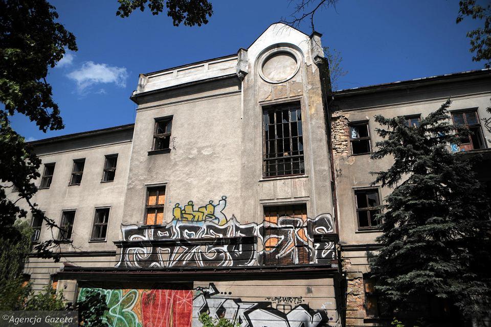 opuszczona szkoła Częstochowa